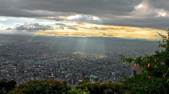 Blick auf Bogota <br/>Foto von Tijs Zwinkels