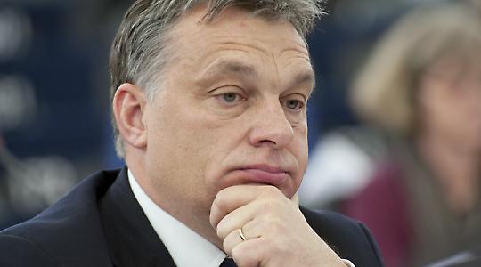 Viktor Orban während der Debatte im Europäischen Parlament