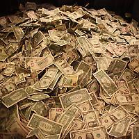 122.000.000.000.000 Dollar