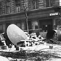 Barrikaden in Neukölln beim Blutmai 1929 <br/>Foto von Bundesarchiv
