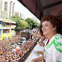 Die Kandidatin Dilma Rousseff beim Karneval <br/>Bild von Fotos da Bahia